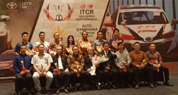 Skuad Toyota Team Indonesia bersama para sponsor yang mendukung sukses di tahun 2019. (Foto ; bs)