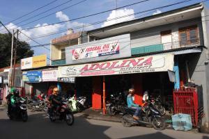 Adolina Motor Sport, Bengkel Kaki Lima Layanan Bintang Lima