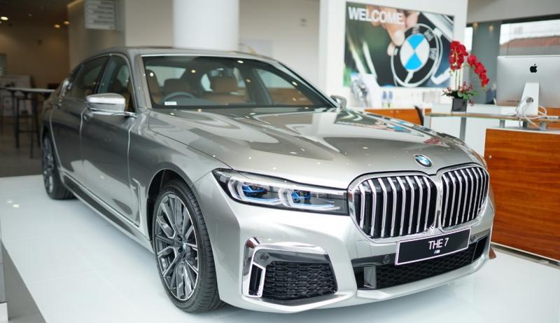 Dengan tema BMW Share of Fortune, The New BMW 7 Series dapat dimiliki dengan Total Down Payment mulai Rp 630 juta dan installment mulai Rp 35 juta per bulan. (ist)