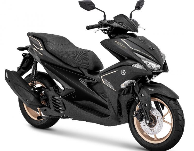Yamaha Aerox dengan kelir hitam tampak lebih elegant