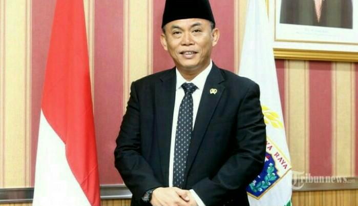 Ketua DPRD DKI Prasetyo Edi Marsudi semprot Anies Baswedan terkait penebangan ratusan pohon di Monas untuk Formula E. (foto : ist)