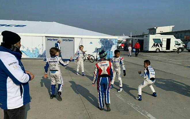 Adit dan Calvin Wibowo bermain bersama pegokart Baby Race Kart Racing Team di Adria Karting Raceway