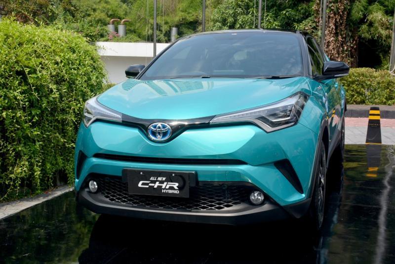 Toyota C-HR HEV yang diluncurkan TAM pada April 2019 lalu menjadi kontributor terbesar penjualan HEV Toyota. (ist)