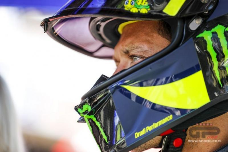Valentino Rossi, tetap terjamin di 2021 dengan status pabrikan. (Foto: bikerepublic)