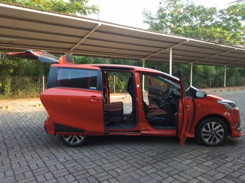 Toyota Sienta memiliki fitur yang komplit dan kepraktisan kabin yang tinggi. (anto)