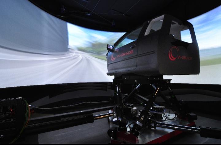 Goodyear menjadi produsen ban yang memanfaatkan simulator mengemudi dinamik Grade VI untuk mengoptimalkan pengembangan produk