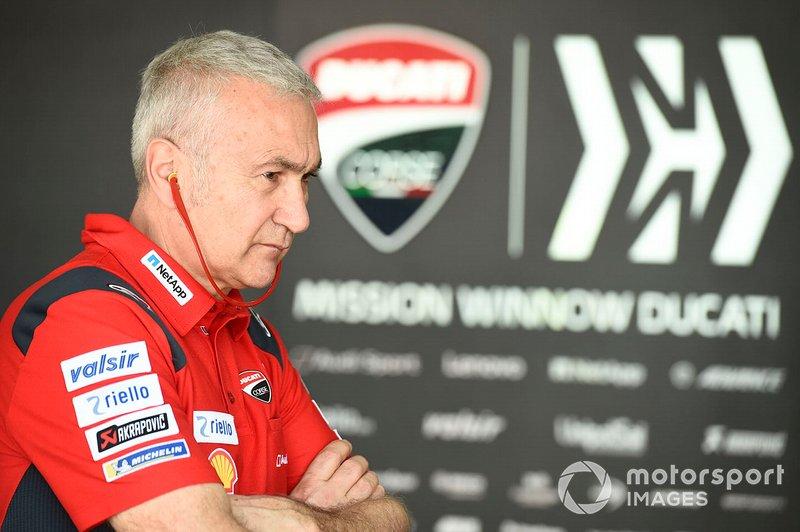 Team Manager Ducati Corse Davide Tardozzi, tetap optimistis dengan Desmosedici GP20. (Foto: motorsport)