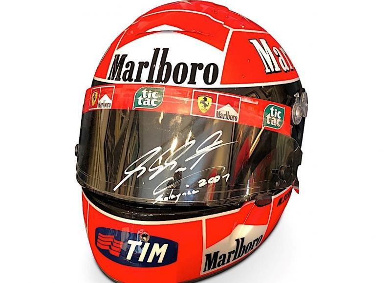 Helm Schubert QF1 milik Michael Schumacher mencari tuan baru (ist)