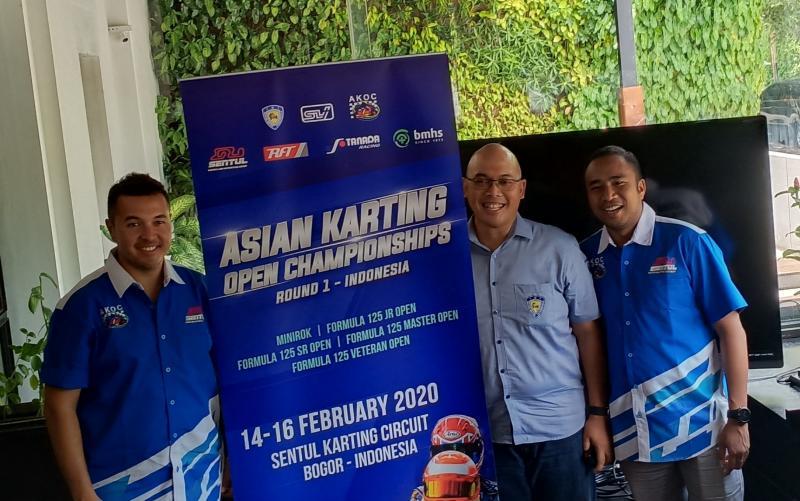 Rifat Sungkar, Dony Sarwono dan Haridarma Manoppo di preskon AKOC, Jakarta hari ini. (Foto : bs)