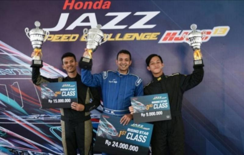 Avan Abdullah (tengah) juara umum kelas Master Honda Jazz Speed Challenge 2019