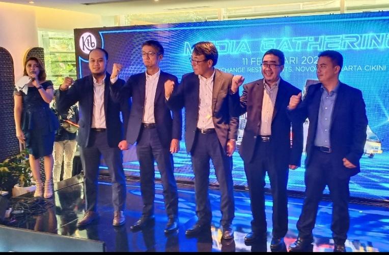 Para Board of Director PT Krama Yudha Tiga Berlian Motors pada preskon di Jakarta hari ini. (foto : bs)