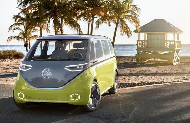 VW I.D Buzz ditargetkan mulai produksi tahun 2022 (foto: carscoops)