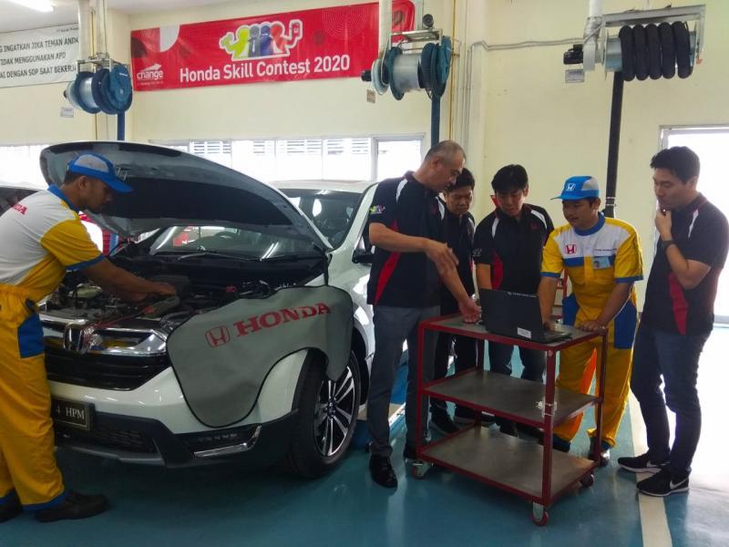 Ajang yang melibatkan para Wiraniaga, Teknisi Servis, Spare Parts, dan Customer Care Officer dari seluruh dealer resmi Honda di Indonesia bertujuan untuk mengukur kualitas Sumber Daya Manusia. (anto)