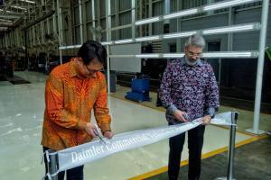 PT Daimler Commercial Vehicle Manufacturing Indonesia akan bertanggung jawab dalam memproduksi dan merakit kendaraan niaga Mercedes-Benz di Indonesia.