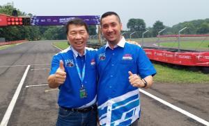 Johny Tan (kiri) dari AKOC dan Kemas Haikal bos SIKC. (foto : bs)