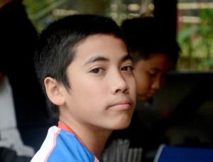 Maalik Bintang Alisyahbana, pulang sekolah langsung ke bandara agar bisa mengikuti IAME Asia Series di Sentul, Bogor. (foto: fajar)