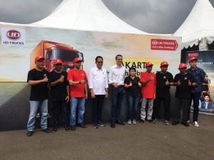 Keenam finalis UD Trucks Indonesia Extra Mile Challenge 2020 ini saling berpacu dalam kepiawaian mereka dalam empat hal penilaian. (anto)