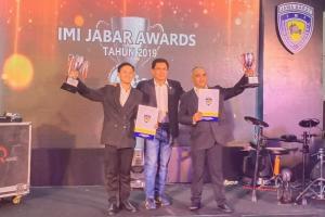 Zinedine Doohan (kiri), Fredi Rostiawan dan Ary Maulana di IMI Awards Jabar 2019 di hotel Lorin Sentul malam ini