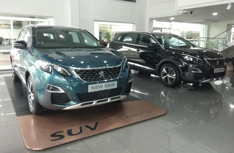Agus Prabowo, Kepala Cabang Astra Peugeot Surabaya menyebut, konsumen Jawa Timur, terutama Surabaya cukup cerdas dalam memilih kendaraan.(anto)