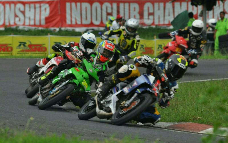 Seru nih, partai pembuka kejuaraan balap motor Indoclub Championship dibanjiri 600 starter. (foto : tono)