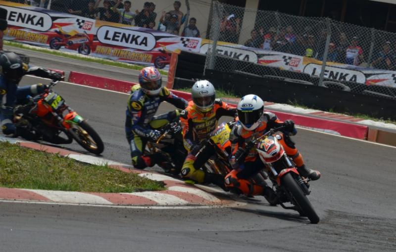 DMC Racing, dari drag bike sekarang kecanduan di balap motor