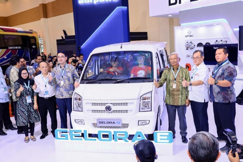 Pengenalan DFSK Gelora untuk pertama kali berlangsung saat pembukaan Gaikindo Indonesia International Commercial Vehicle Expo (GIICOMVEC) 2020 pada Kamis (5/3/2020). (anto)