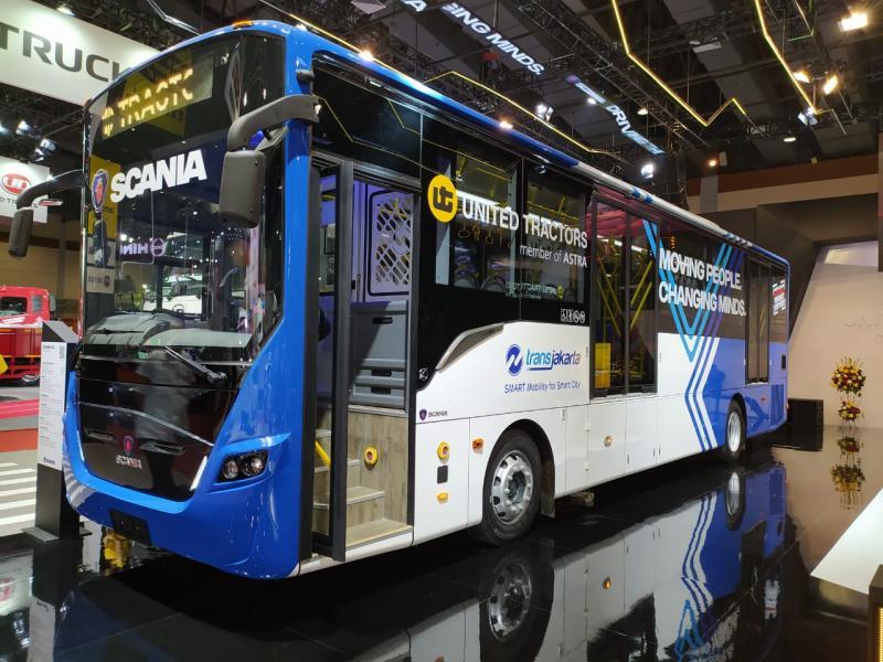 United Tractors menargetkan akan ada 60-100 bus yang akan dipesan Transjakarta. (anto)