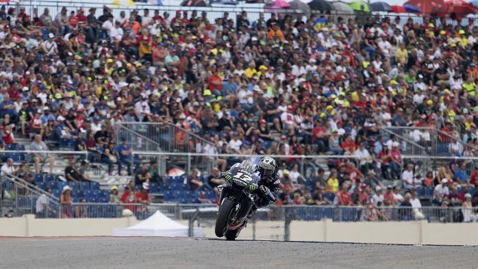 Penonton selalu membeludak di seri MotoGP, tahun ini mungkin saja berlangsung tertutup gegara Corona. (Foto: foxsport)