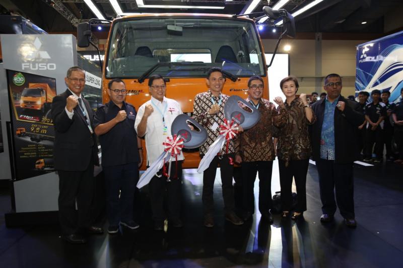 KTB bersama dealer akan memberikan materi pembelajaran terkait mesin kendaraan serta pelatihan basic automobile yang bersertifikasi kepada guru dan murid.(ist)
