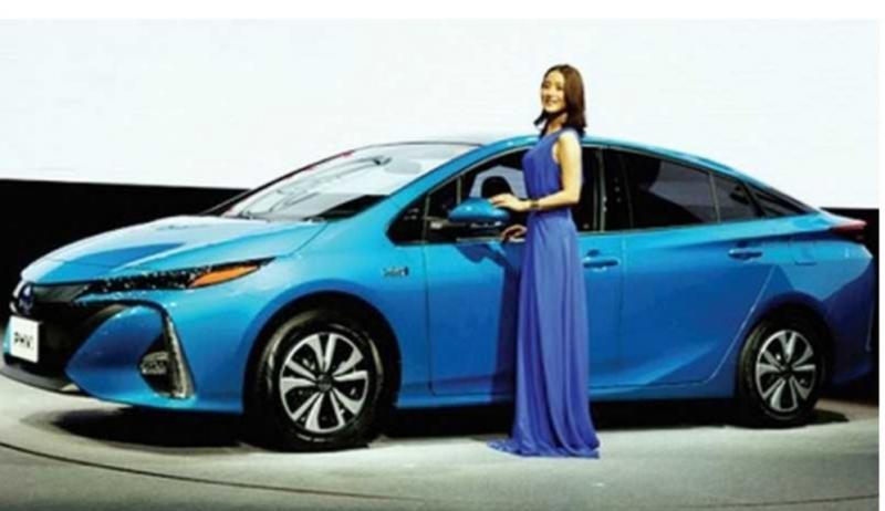 Toyota berkomitmen mensupport pemerintah dengan akan memproduksi kendaraan elektrifikasi massal sesuai kebutuhan konsumen di Indonesia. (Foto : ist)