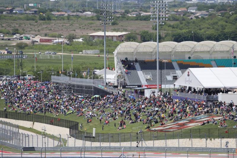 Salahi satu sudut sirkuit Austin, Texas, tahun lalu dengan kehadiran 50.000 penonton. (Foto: therace)
