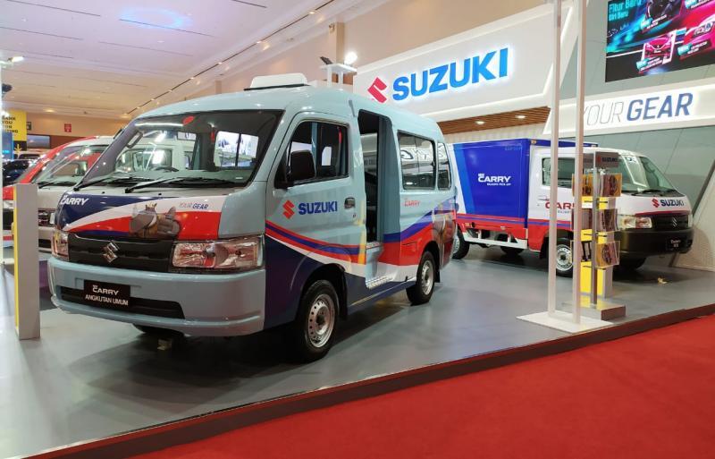 Suzuki New Carry dalam versi bodi penuh berwujud angkot atau angkutan kota hasil rancang bangun karoseri, yang sudah banyak beredar di jalanan Jabodetabek. (anto)