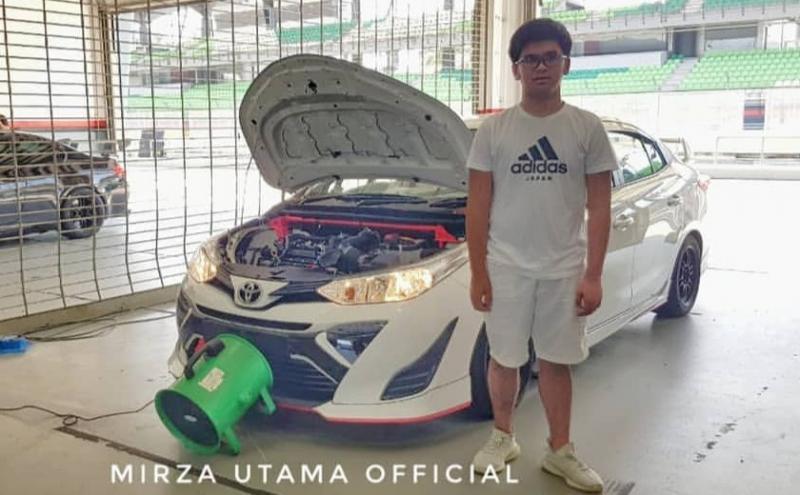 Mirza Putra Utama banyak belajar soal balap dari Haridarma Manoppo dan soal teknik mobil dengan Anton Hudijana