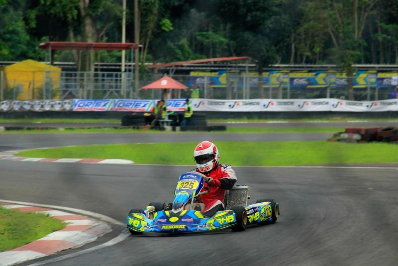 Aksi Haridarma Manoppo dari Rehobat CNC Racing di sesi Final kelas Expert. (Foto : hf)