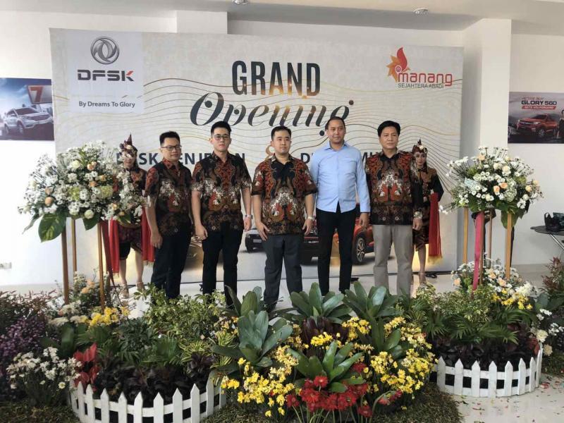 PT Sokonindo Automobile selaku produsen mobil DFSK meresmijan 2 dealer baru di Jawa Timur