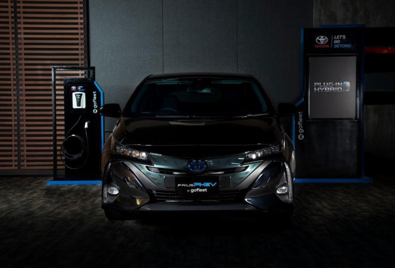 Salah satu kelebihan Prius PHEV adalah kemampuan baterai yang lebih besar dan model pengisian baterai melalui sumber eksternal. (Toyota)