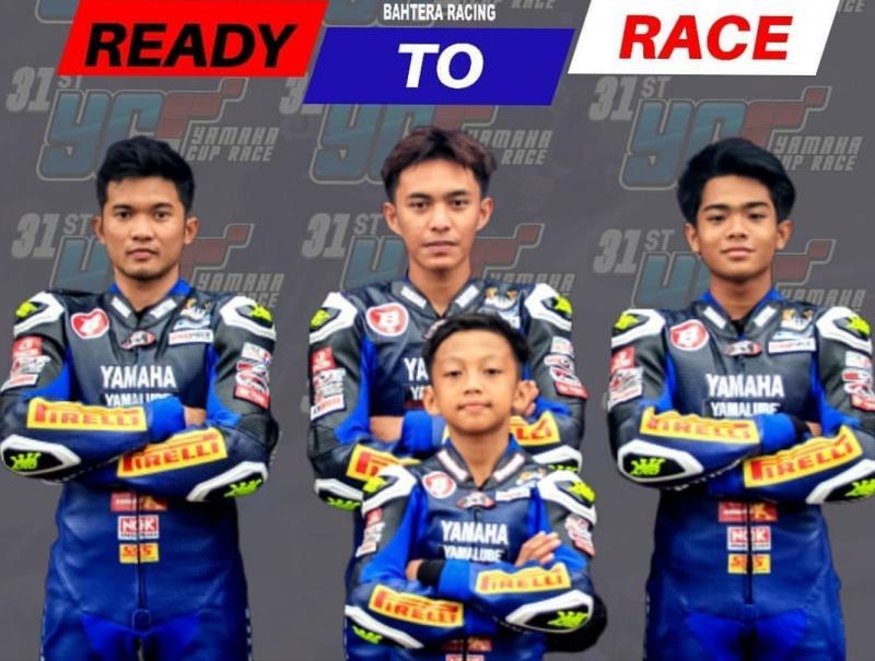 Squad Yamaha Bahtera Racing ke YCR Boyolali lalu, dari kiri Syahrul Amin, Chandra Hermawan, MK Ramadhipa dan Murobbil Vitoni