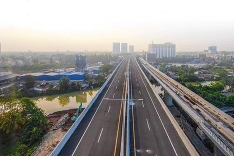 Jalan Tol elevated Jakarta - Cikampek, tidak benar ditutup operasionalnya