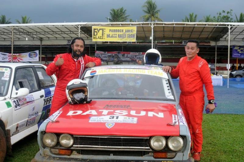 Dudi Setyadi (kiri) saat berlaga di Kejurnas Rally Medan tahun lalu. (Foto: ist)