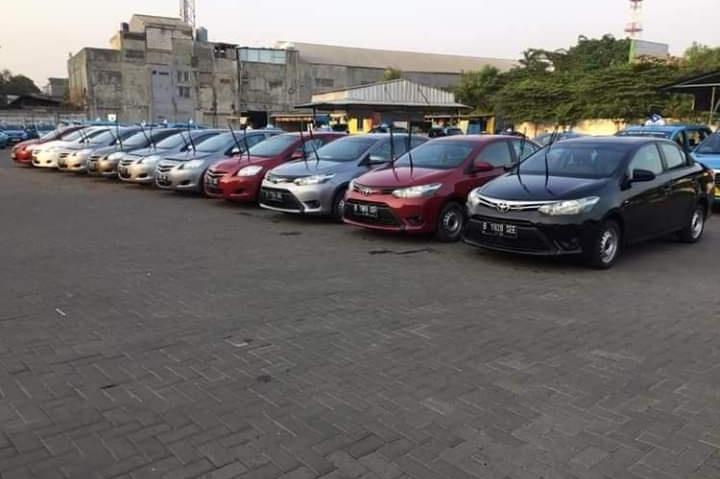 Pantauan Mobilinanews, meningkatnya ketersediaan sedan Toyota Limo karena adanya peremajaan armada dari sejumlah perusahaan operator taksi. (foto: istimewa)