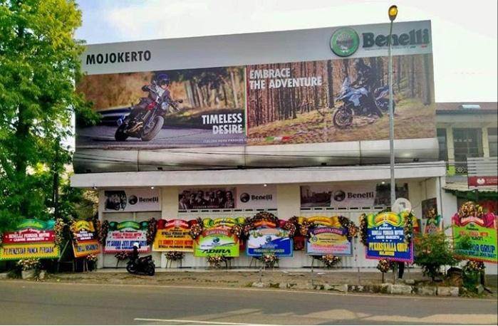 Berlokasi di Jalan Jayanegara 207 Puri Mojokerto, dealer ini mempunyai fasilitas 3S (Sales, Service and Spare Parts). (dok. Steven)