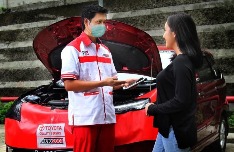 Mekanik THS Auto2000 Home Service sudah menerapkan standar kesehatan sesuai aturan dari pemerintah. (dok. Auto2000)