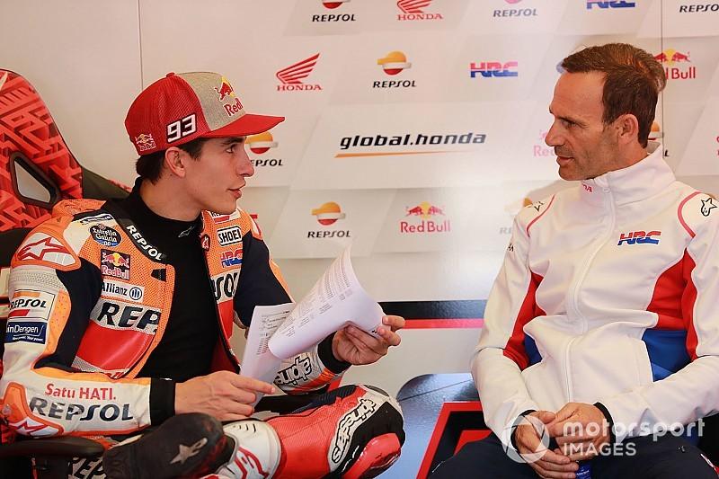 Alberto Puig dan Marc Marquez (Repsol Honda). (Foto: motorsport)