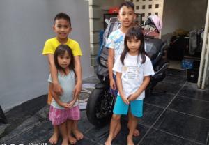 Aditya Wibowo, Calvin, Queen dan Syafira, tetap di rumah dan melakukan olahraga menjaga kebugaran. (Foto : bs)