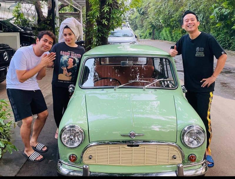 Mini Morris Cooper Mk1 berpindah tangan dari Raffi Ahmad ke Denny Cagur. (instagram)