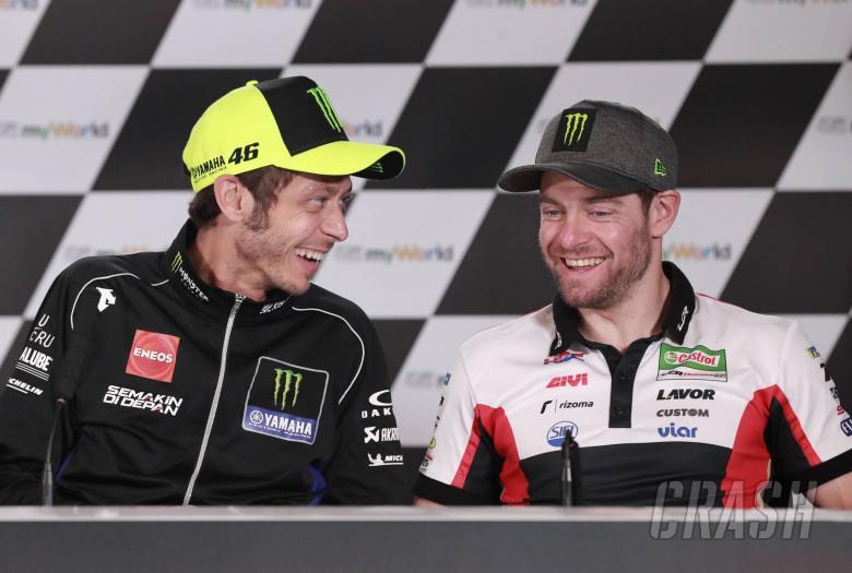 Valentino Rossi dan Cal Crutchlow, bintang gaek di ujung karir MotoGP. (Foto: crash)