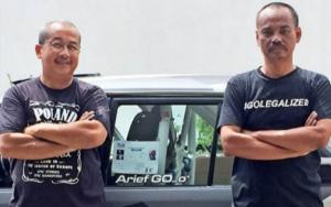 dr Hery Agung (kiri) dan Arief Go Ananto, kebersamaan 30 tahun di ajang motorsport. (Foto : dok arief go)