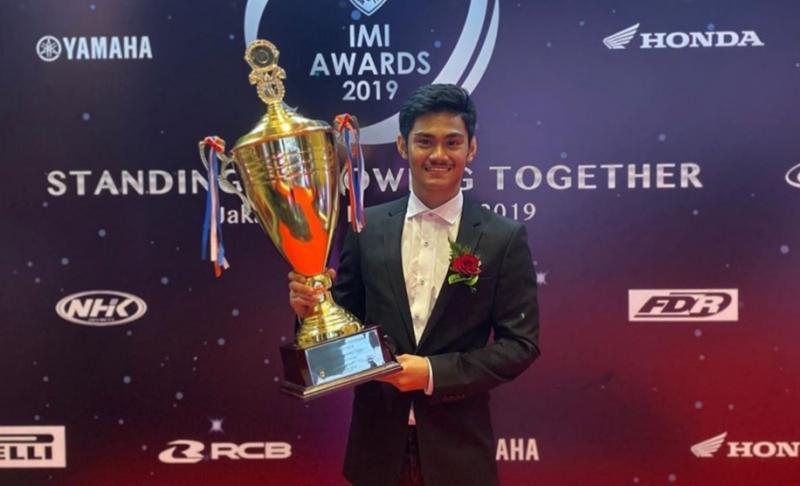 AM Fadly saat menerima IMI Awards 2019 di Jakarta, Desember lalu. (Foto : ig am fadly)