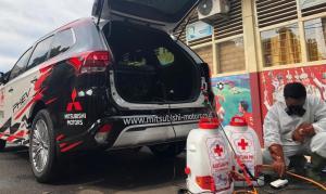 Berkolaborasi dengan Palang Merah Indonesia (PMI), SUV berdaya listrik ini diperbantukan untuk penyemprotan disinfekan di beberapa area di Jakarta. (MMKSI)