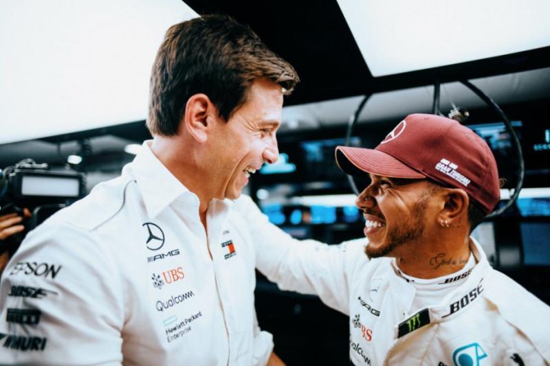 Toto Wolff dan Lewis Hamilton, paket kompak dan akan tetap menjadi paket di luar Mercedes? (Foto: silverarrows)